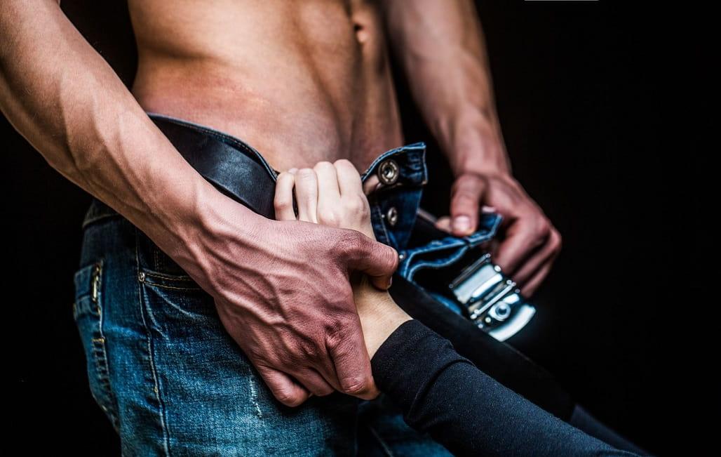 Potwór dildo seks analny