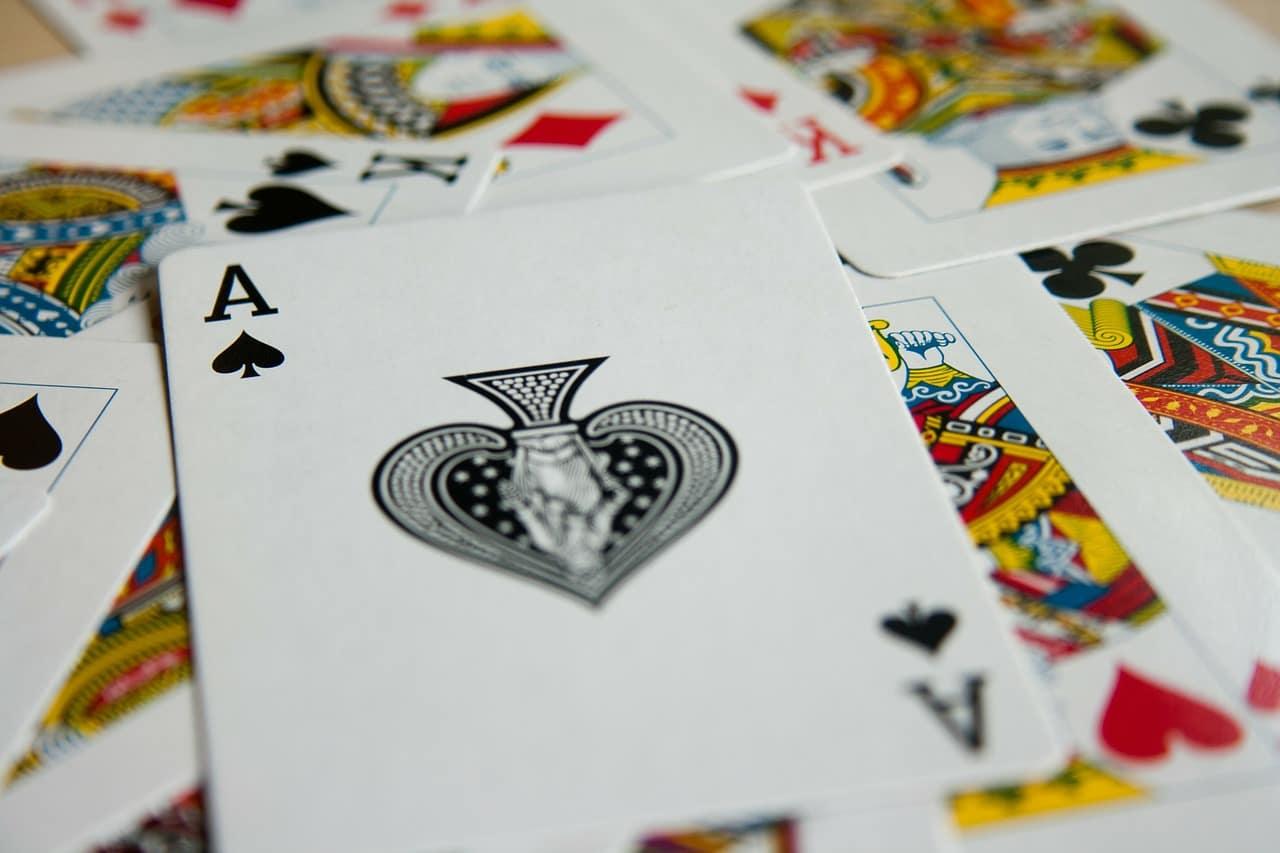 Jak grać w Wojne w karty?